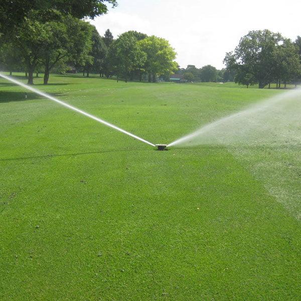Golf sahası uzaktan kontrollü sulama